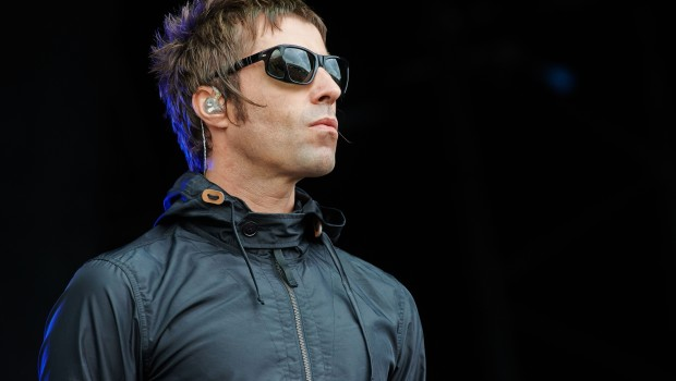 GLASTONBURY, UNITED KINGDOM - JUNE 28: Liam Gallagher of Beady Eye performs on stage on Day 2 of Glastonbury Festival at Worthy Farm on June 28, 2013 in Glastonbury, England. (Photo by Gary Wolstenholme/Redferns via Getty Images)